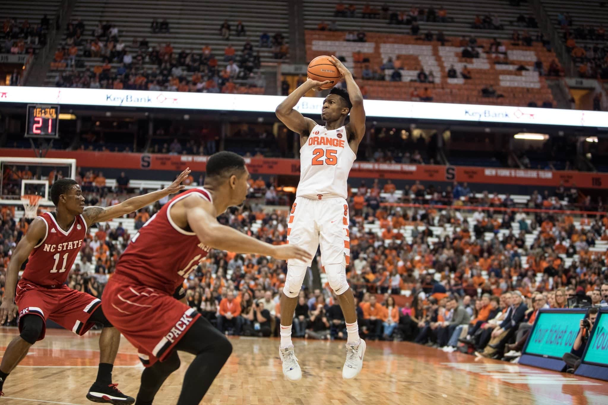 Tyus Battle goes for three points.