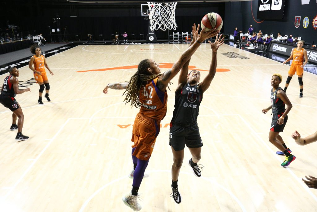 Brittney Griner returns to form for the Mercury