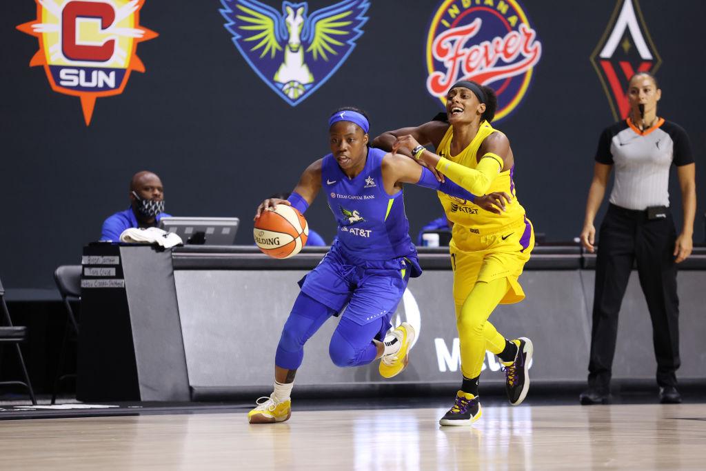 Arike Ogunbowale's gotten even better in Year 2