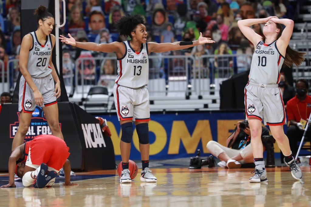 'It wasn't like anything we've seen': Christyn Williams, UConn no match for Arizona