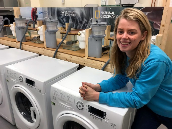 Xeros Washing Machine Filter Helps Stop Microfibres From Polluting the Ocean