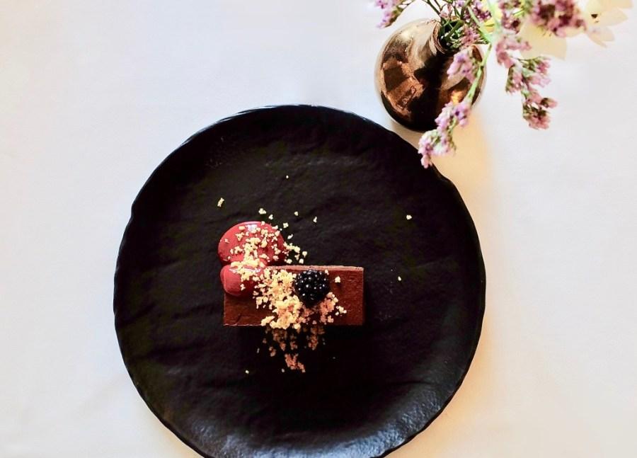 room service ordered dessert