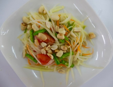 cooking-class-chiang-mai-papaya-salad