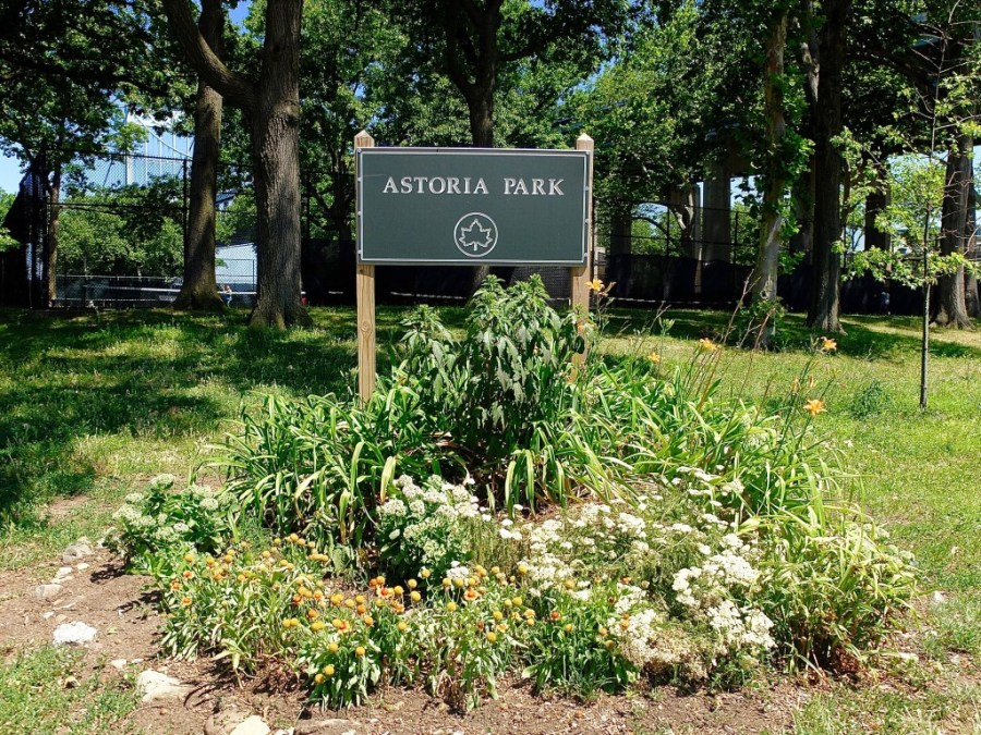 Entrance to Astoria Park