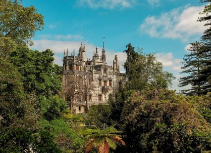 where-to-stay-in-sintra-quinta-da-regaleira
