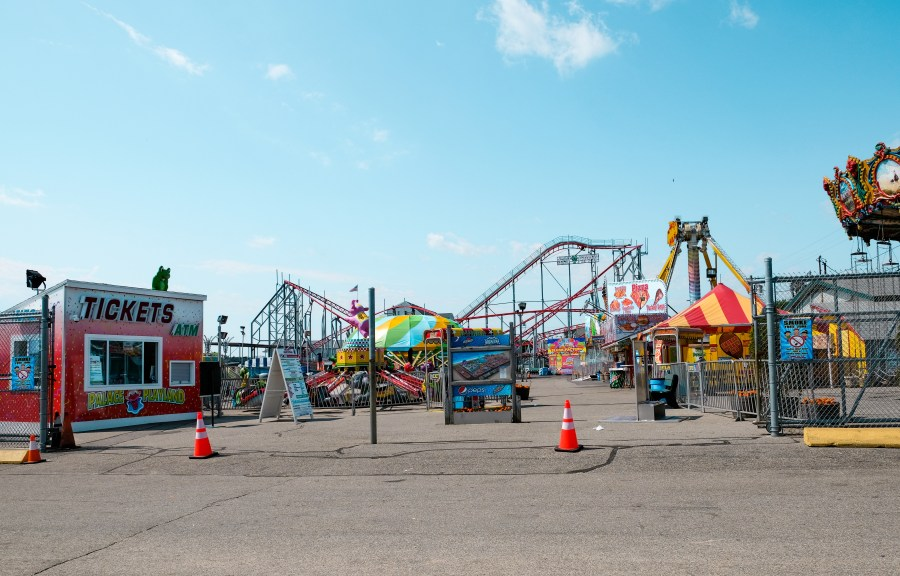 theme park entrance at old orchard beach