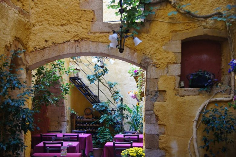 Vegan-friendly To Steki Tavern, Chania, Crete
