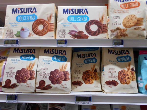 Vegan chocolate chip cookies in Italian supermarket