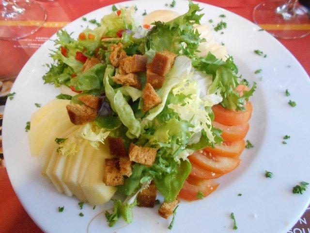 Vegan salad at La Maison du Cassoulet, Toulouse, France