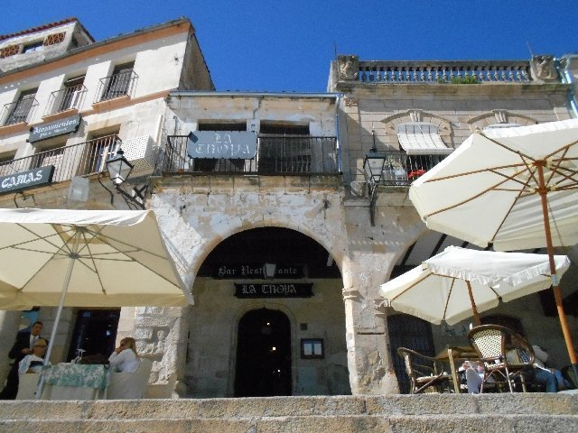 Restaurante La Troya - Vegan travel in Trujillo, Spain