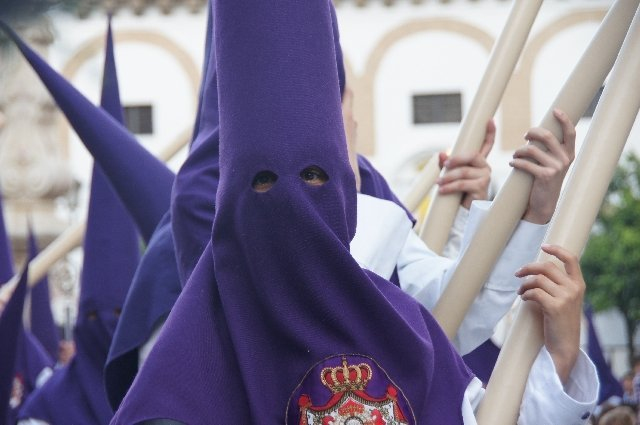 Vegan travel - Semana Santa in Seville, Spain