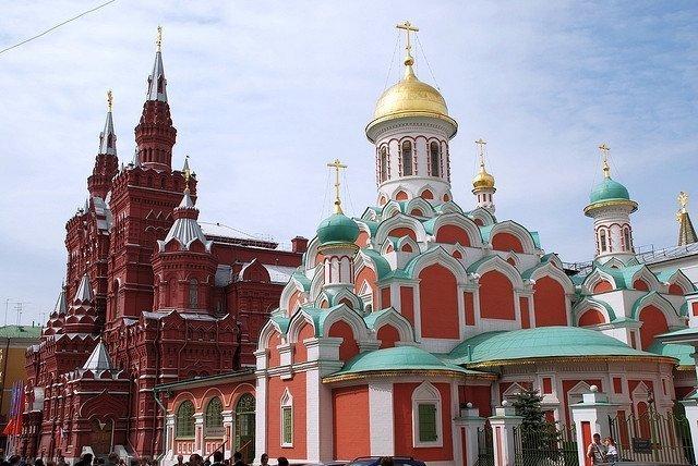 Kazan temple and Historical muzeum- vegan travel in Russia