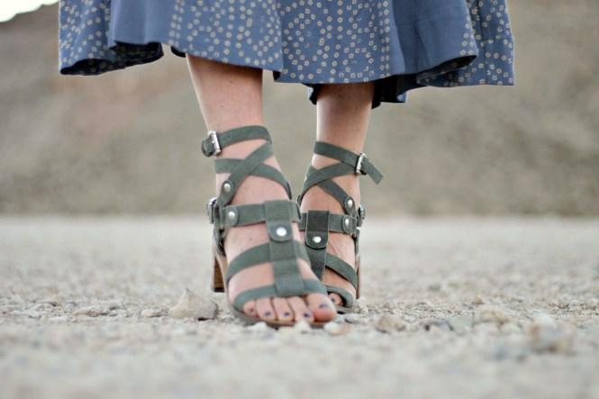 free-people-midi-dress-boho-style-boho-outfit-maxi-dress-fall-fashion-fall-trends-lindsey-simon-las-vegas-fashion-blogger-the-nomis-niche-desert-photography-9