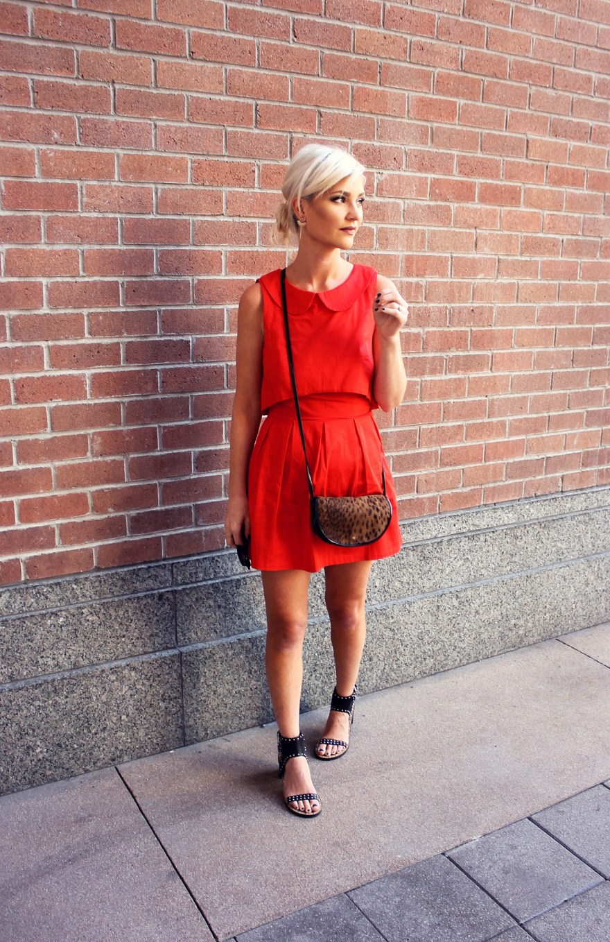 red-dress-the-linq-fall-fashion-lindsey-simon-the-nomis-niche-las-vegas-las-vegas-style-date-night-outfit-1