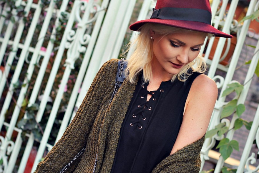black-swan-lace-up-top-fedora-hat-flare-jeas-fall-style-slouchy-sweater-the-nomis-niche-lindsey-simon-5
