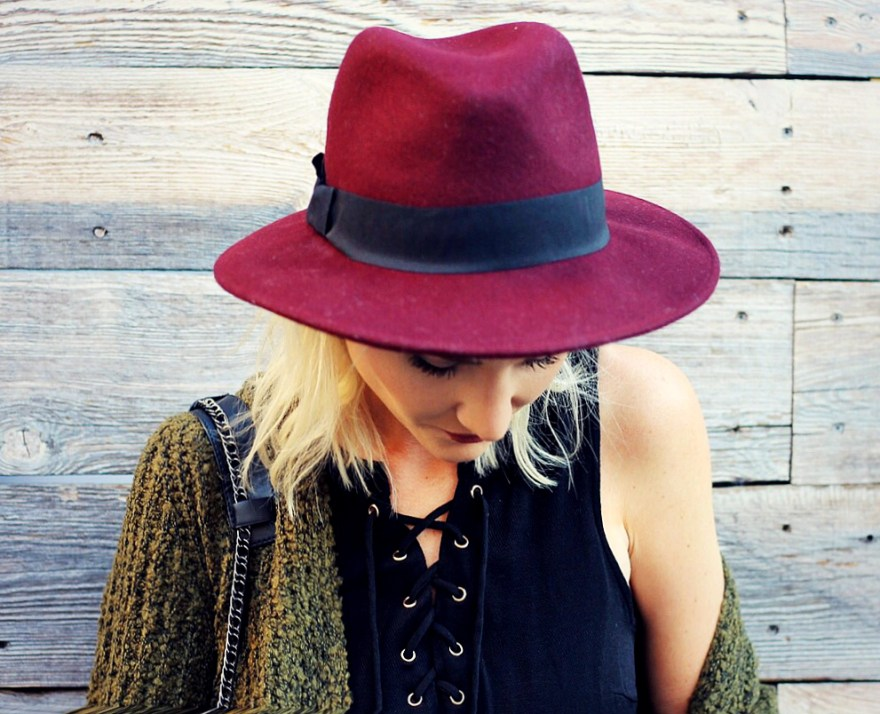 black-swan-lace-up-top-fedora-hat-flare-jeas-fall-style-slouchy-sweater-the-nomis-niche-lindsey-simon-8