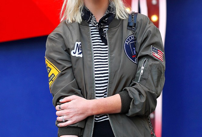 bomber-jacket-pencil-skirt-bandana-las-vegas-blogger-the-nomis-niche-lindsey-simon-1