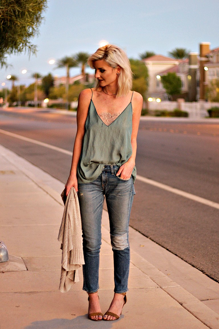 top, outfit, photo, locations, best, best locations, fashion blogger, ootd, instagram, instagram-worthy, outfit photos, las vegas, tips, fashion blogger tips, the nomis niche, lindsey simon