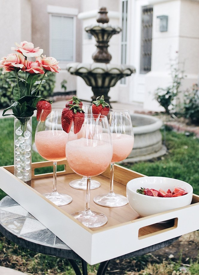 frose, frozen rose, recipe, summer drinks, strawberry, margarita, las vegas, blogger,