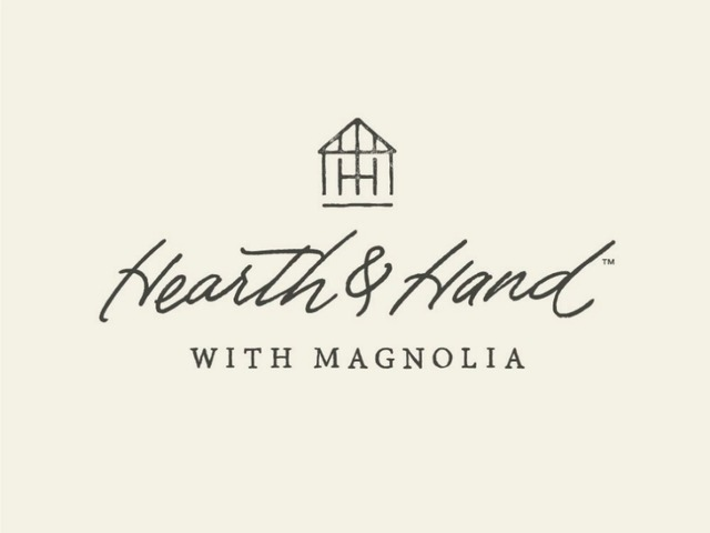 hearth & hand, hearth and hand by magnolia, target, home decor, home design, home decor collection, home for the holidays, holiday gifts, holiday dinnerware, holiday decorations, holiday gifts, Christmas decorations, Christmas gifts, Lindsey simon, the noms niche, fashion blogger, lifestyle blogger, beauty blogger