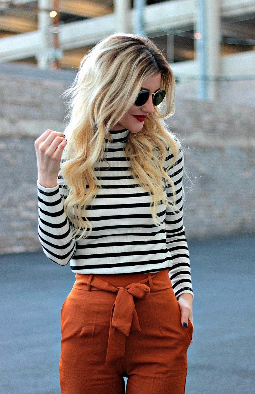 Fall style, fall outfit, fall outfit ideas, outfit ideas, street style, winter style, winter outfit ideas, striped top, edgy, casual, 2017, for work, women's, classic, trendy, culottes, for moms, fashion blogger, fashion, style, Las Vegas blogger, Lindsey Simon, the noms niche, how to wear, sock booties, blonde hair, bright blonde, hair extensions, Rooty blonde