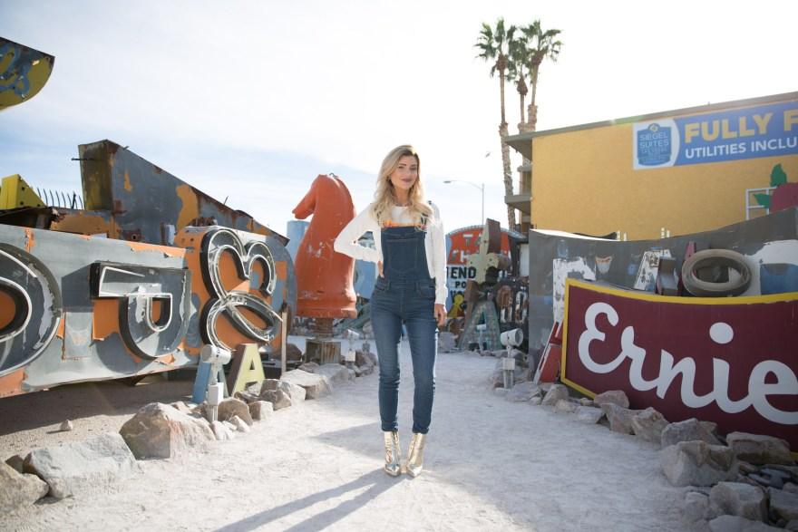 wrangler, wrangler jeans, overalls, metallic boots, metallic booties, gold booties, casual outfit, fall outfit, spring outfit, how to wear overalls, overall outfit ideas, overalls for fall, overall outfit, the nomis niche, lindsey simon, fashion blogger, the neon museum, the neon boneyard, Las Vegas, Vegas blogger, Las Vegas blogger
