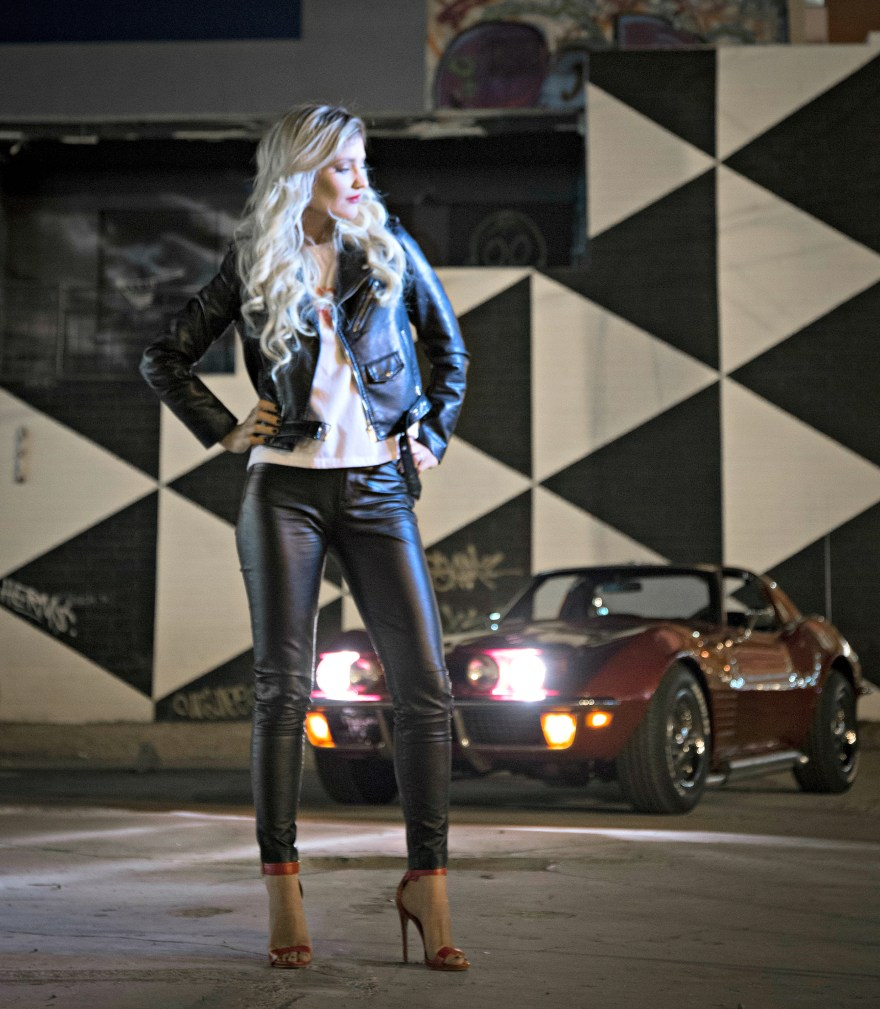 the noms niche. leather jacket, Las Vegas, style, fashion, outfit, sexy style, edgy style, leather pants, the neon muse, Lindsey Simon, Las Vegas fashion blogger, Las Vegas blogger, beauty blogger,