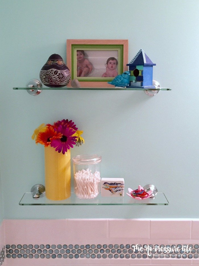 Kids Bathroom Shelf Decor Idea