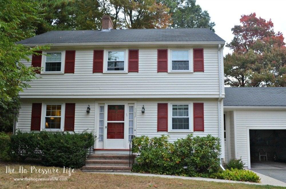 Garrison Colonial Makeover - original exterior
