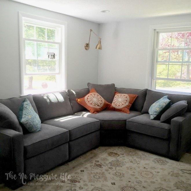 Gray corner sectional