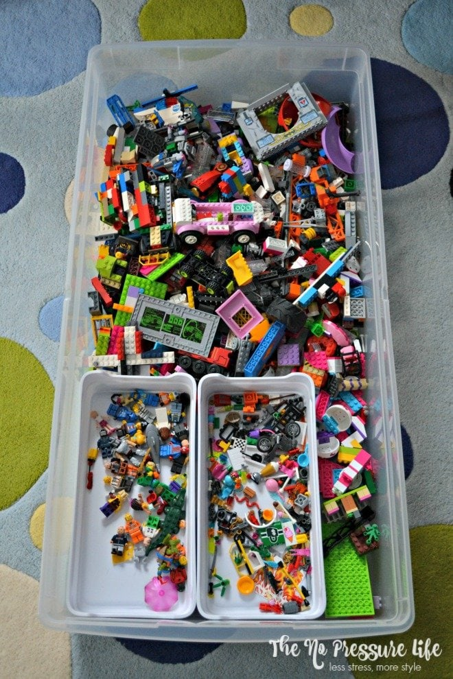 How to organize LEGOs in an underbed storage bin