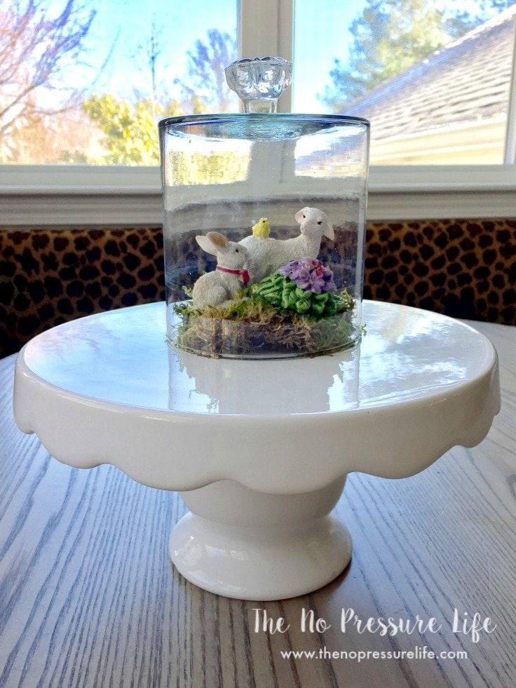 Such a cute and quick project! Make this glass DIY cloche jar in just a few minutes. | The No Pressure Life