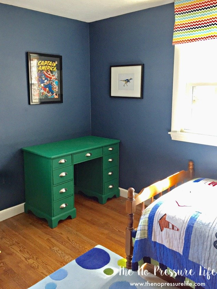 How to paint furniture - tips for chalk paint and a great desk makeover!