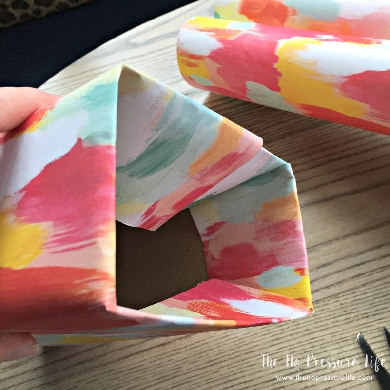 How to make a DIY laundry lint bin