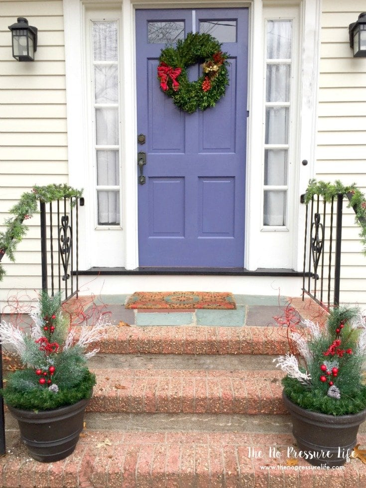 Easy Christmas curb appeal ideas for your front porch.
