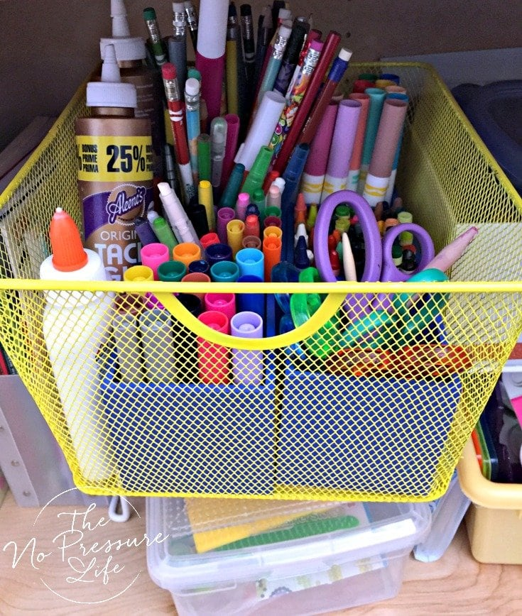 How to organize crayons and markers with a portable caddy