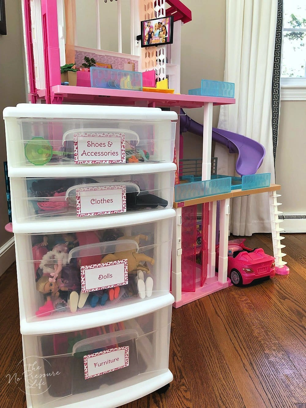 Barbie storage and organization with a rolling card