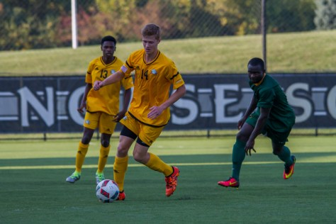 Men's Soccer ends season with a loss