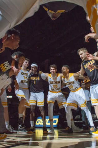 Strong finish lifts Norse over Wright State