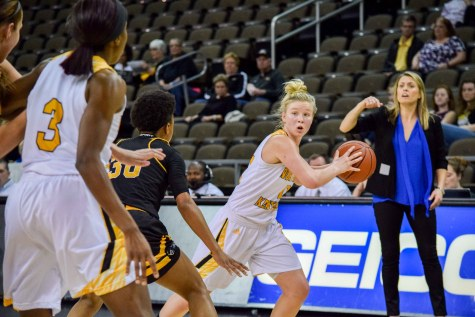 Norse break four game skid by blasting Milwaukee
