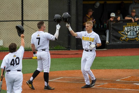 Norse split doubleheader with Valparaiso
