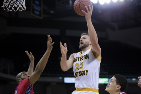 Norse advance with win over Lakers
