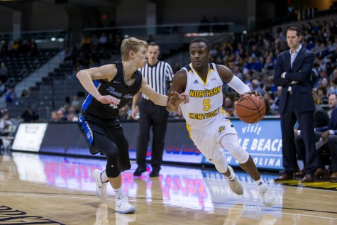 GALLERY: Norse recover after Oakland loss; crush Detroit Mercy
