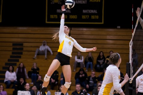 Oakland defeats Norse volleyball in three sets
