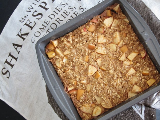 apple-pie-baked-oatmeal-2-