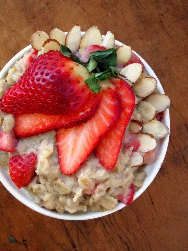 strawberry-almond-oatmeal-2-
