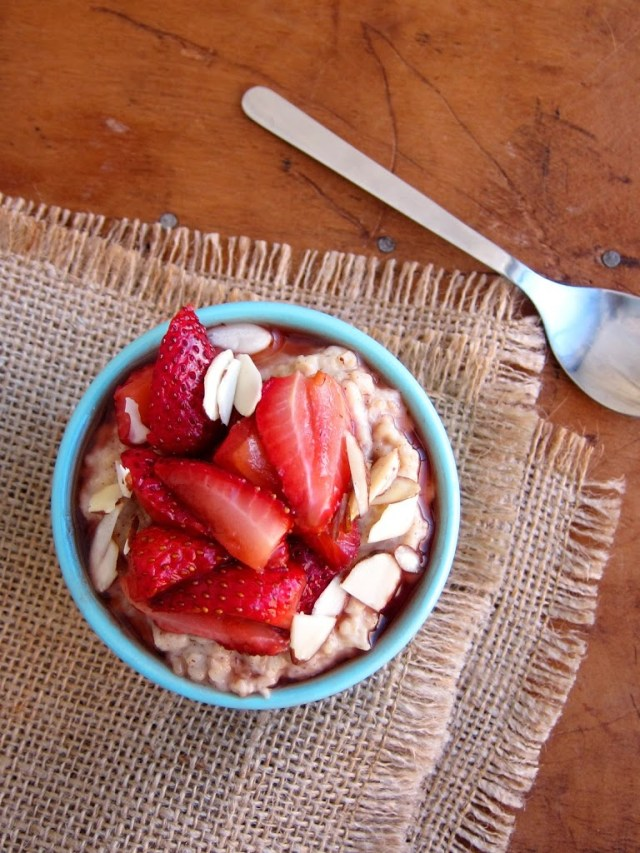 roasted-strawberry-and-almond-butter-oatmeal-1-