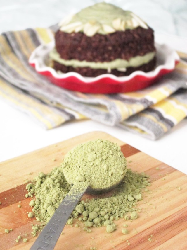 Brownie Baked Oatmeal and Matcha Cashew Frosting #vegan