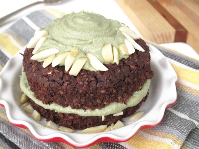 Brownie Baked Oatmeal with Matcha Cashew Frosting by the Oatmeal Artist #vegan