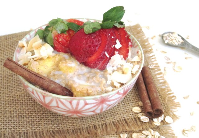 Chai-Spiced Pineapple Oatmeal by the #OatmealArtist #vegan